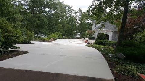 Designing a Driveway That Fits The Landscape | Blackwater Designer Concrete