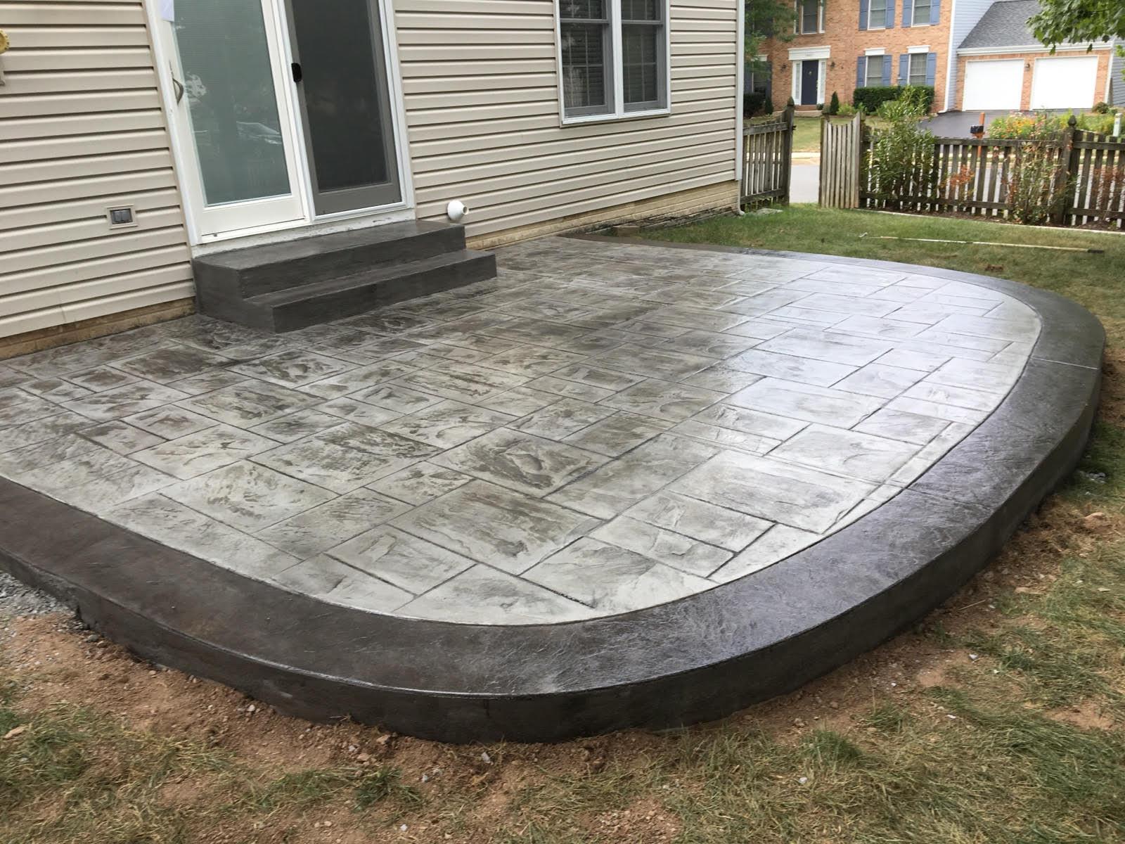 Round Ashlar Slate Patio Blackwater Concrete
